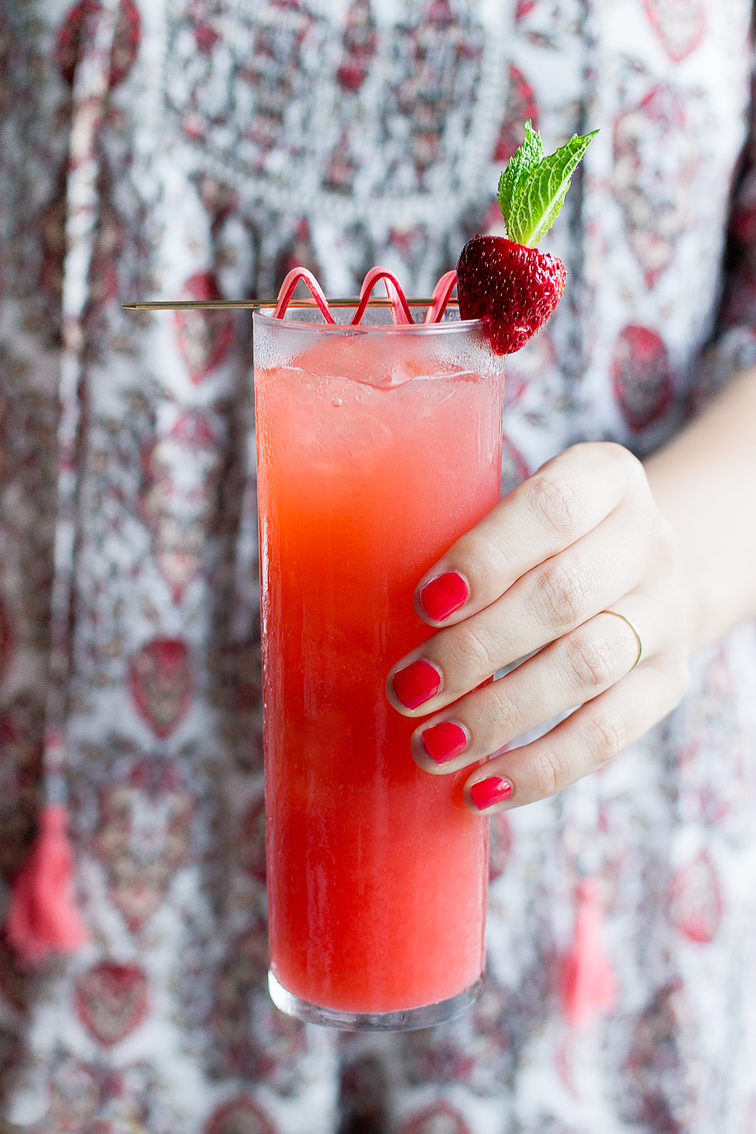 Strawberry Rhubarb Cocktails | Pitcher Drinks | Summer Recipe